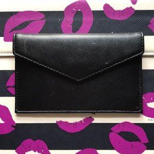 LIKE NEW Bloomingdales Wallet Card Case Black ❤️